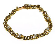 Gold Link Bracelet with natura