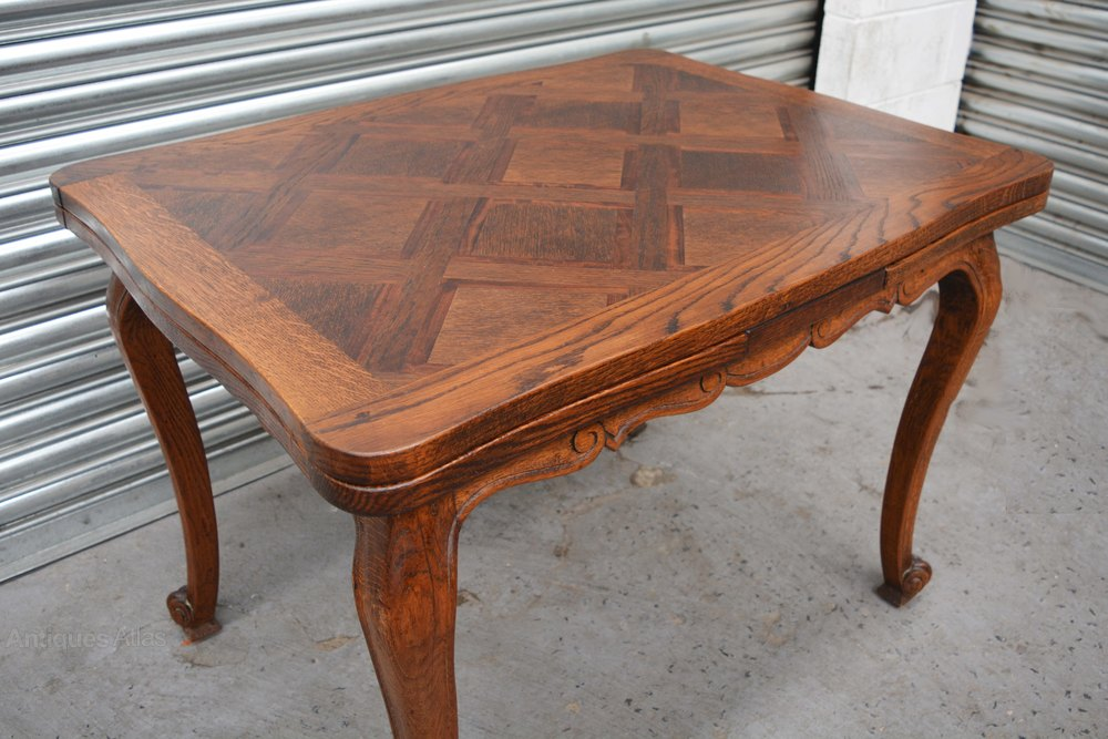 Walnut French Dining Table Antiques Atlas