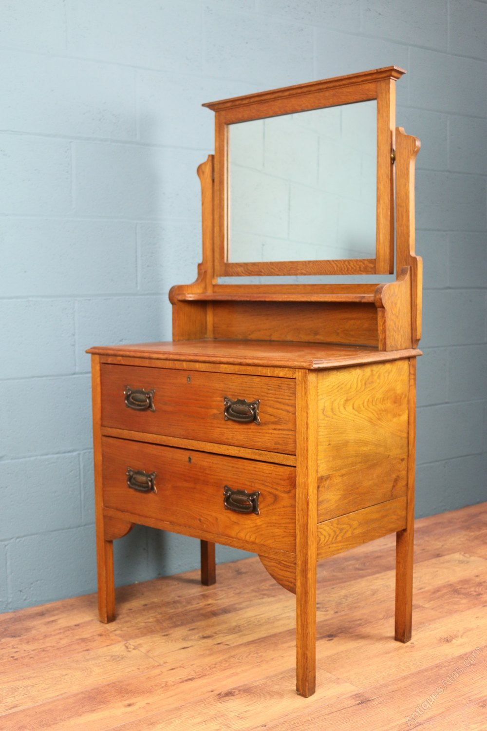 Arts And Crafts Dressing Table Antiques Atlas