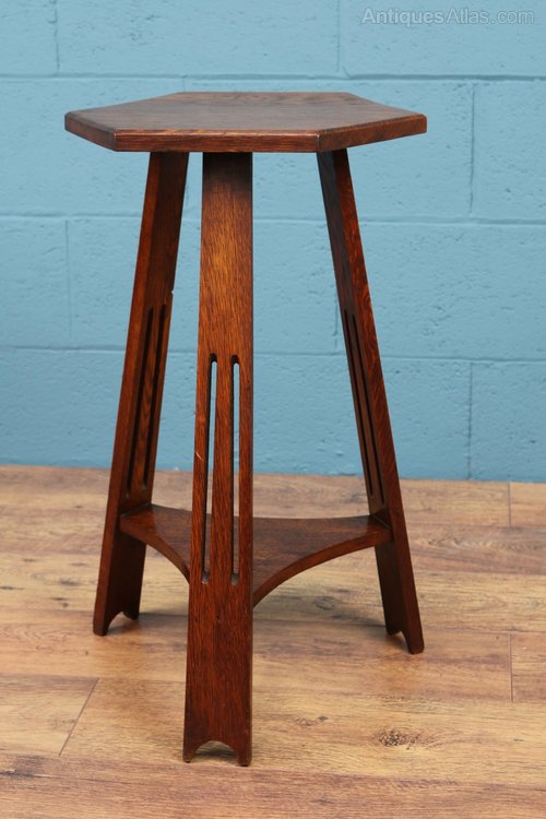 Arts and crafts occasional side table antiques atlas for Arts and crafts side table