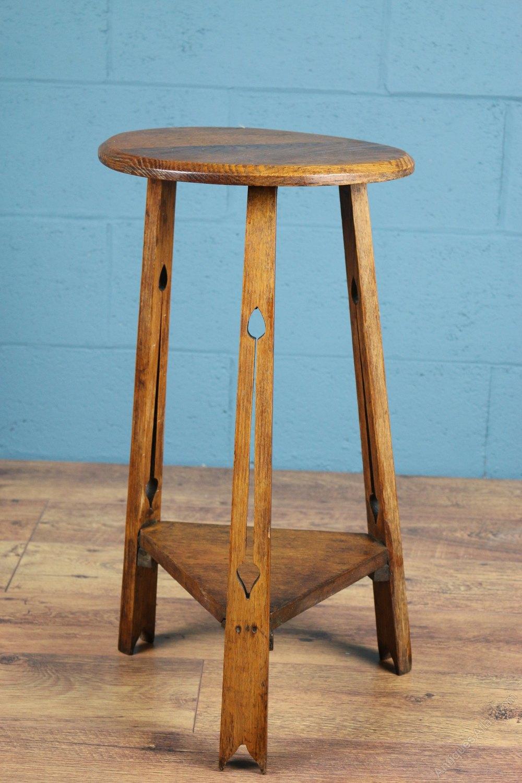 arts and crafts side table antiques atlas. Black Bedroom Furniture Sets. Home Design Ideas