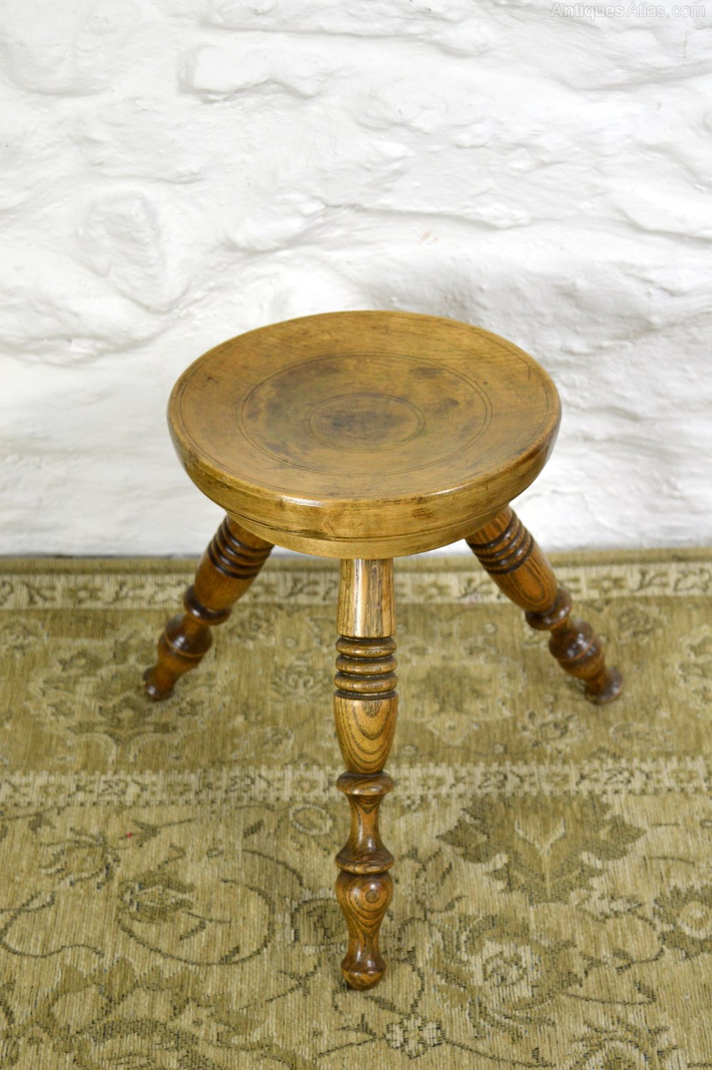 Rare Child S Welsh Sycamore Dairy Stool Antiques Atlas
