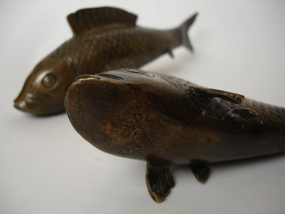Antiques atlas pair of chinese qing dynasty bronze koi carp for Koi fish dealers