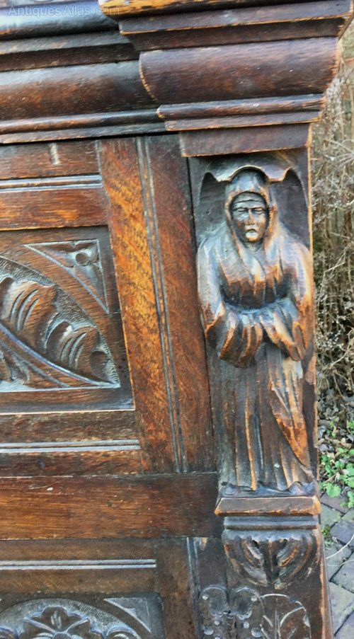 Very Impressive Sideboard in Oak, very heavily carved with figures ...