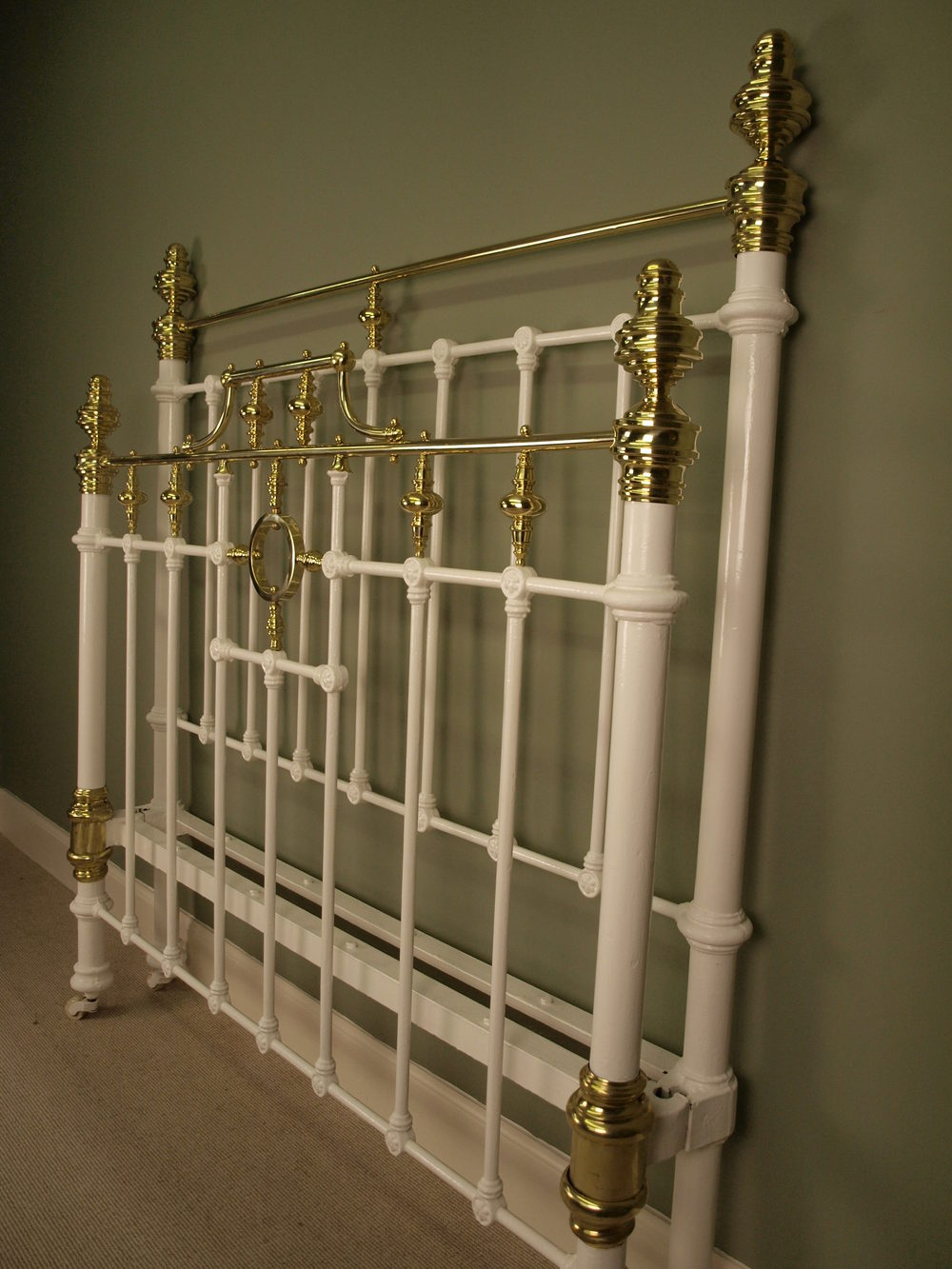 Victorian White Iron Beds : Victorian brass iron bed ft double antiques atlas