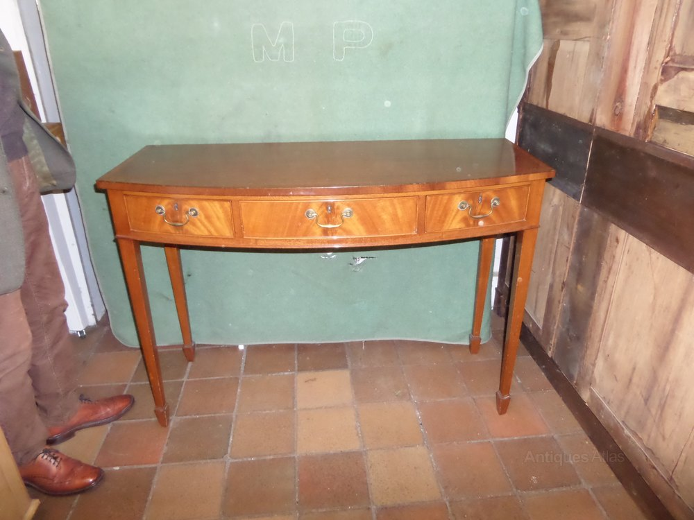 Mahogany demi lune table antiques atlas - Table cuisine demi lune ...