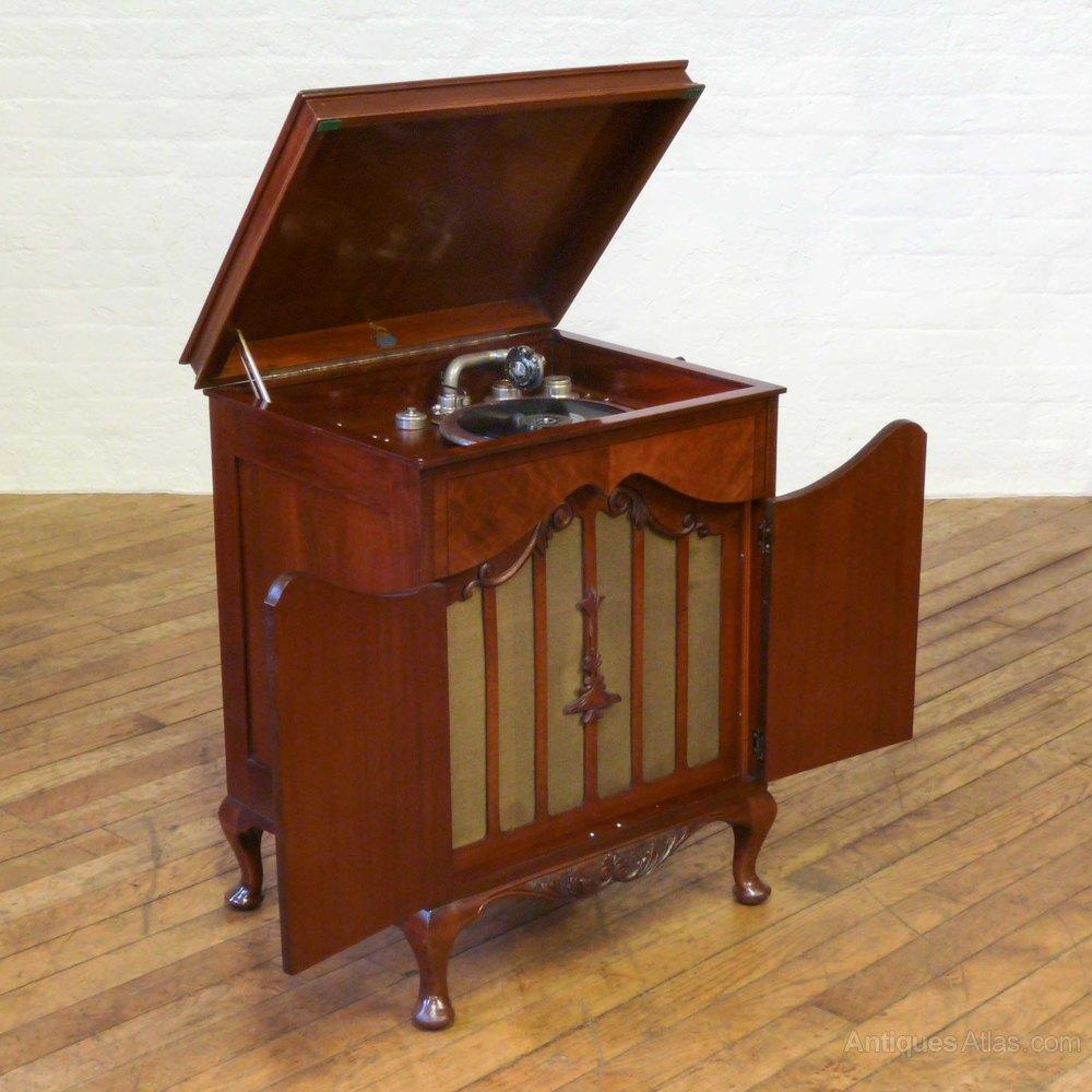 Antiques Atlas Tyrela Mahogany Gramophone