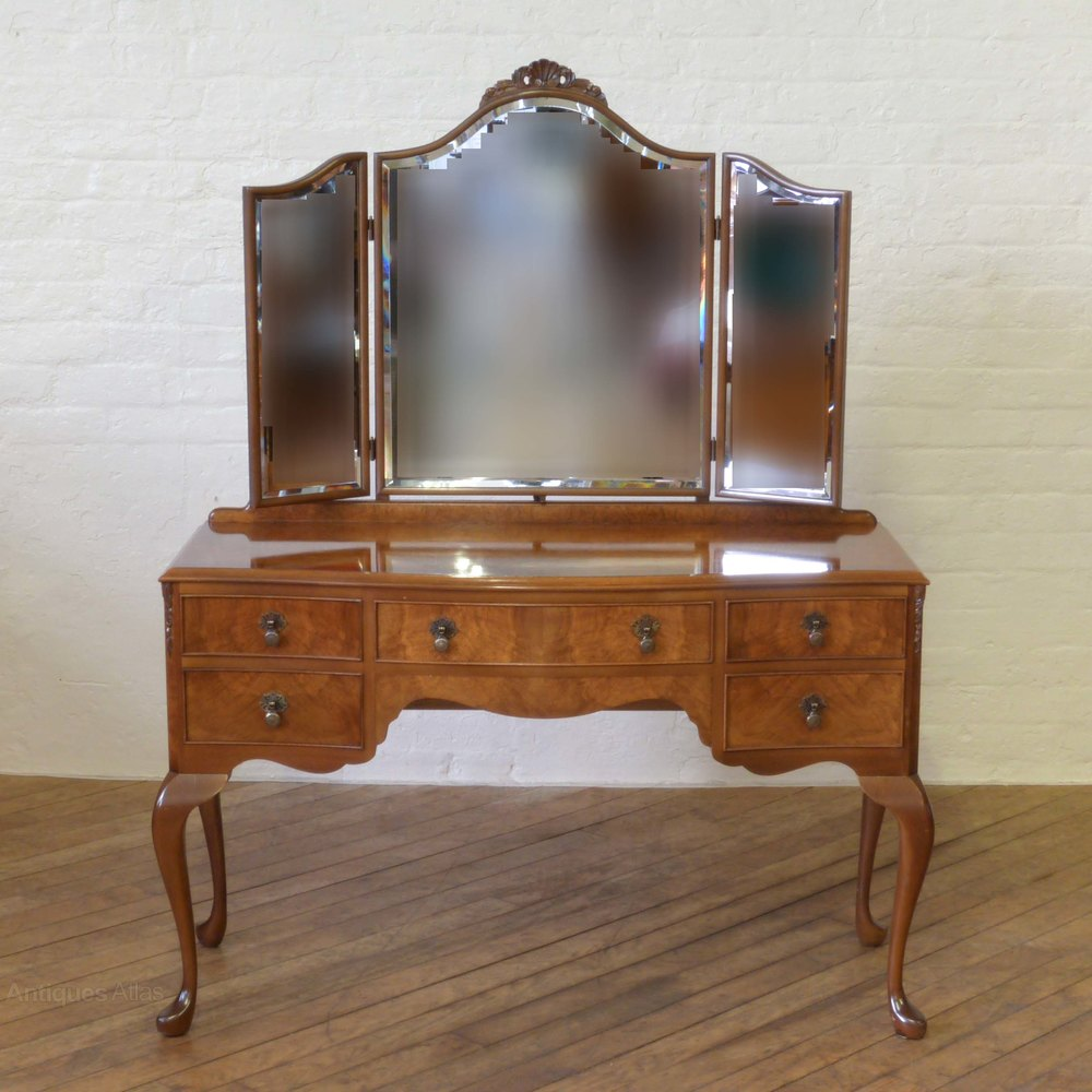 Walnut dressing table antiques atlas for Dressing table