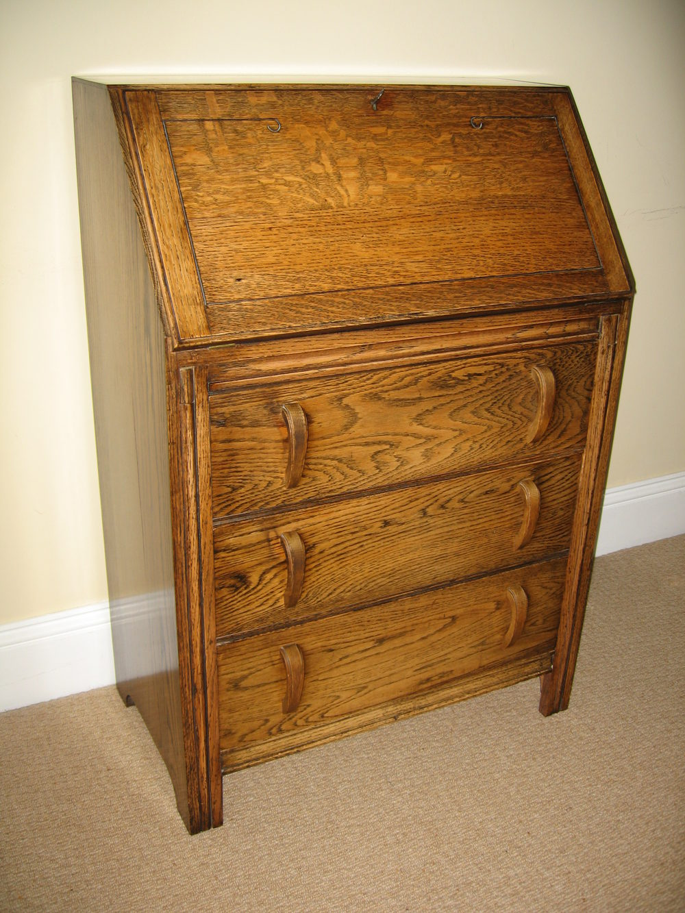 A 1930 39 s oak fall front bureau antiques atlas for Bureau antique
