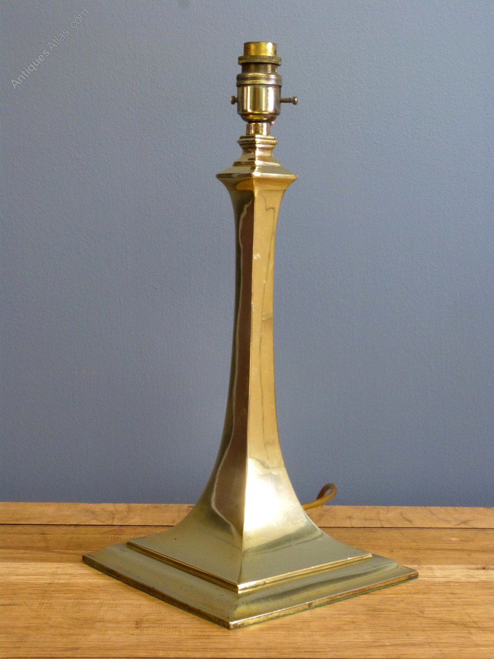 Spectacular Edwardian Brass Table lamp Antique Lighting Table Lamps