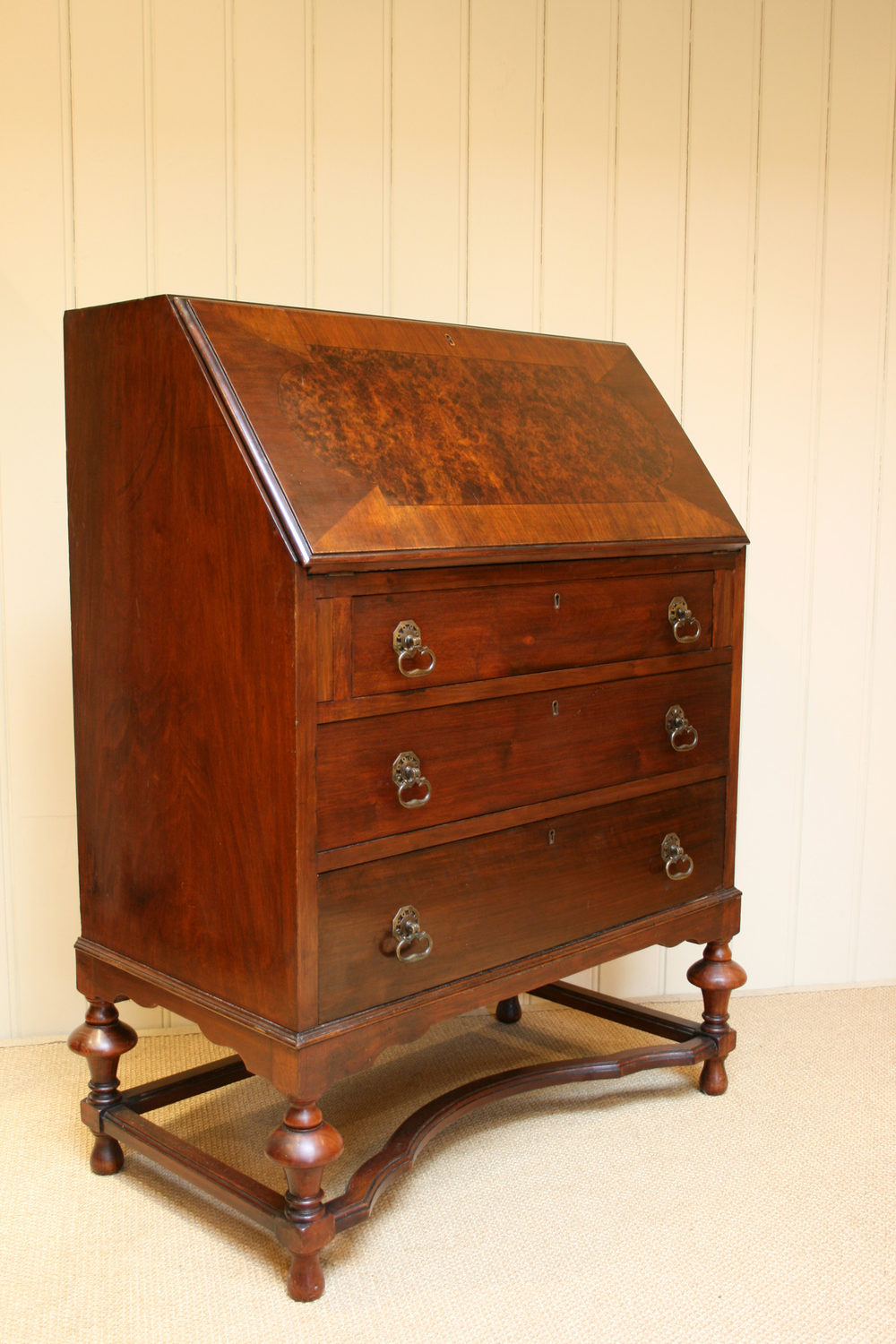 1920s burr walnut bureau antiques atlas for Bureau antique