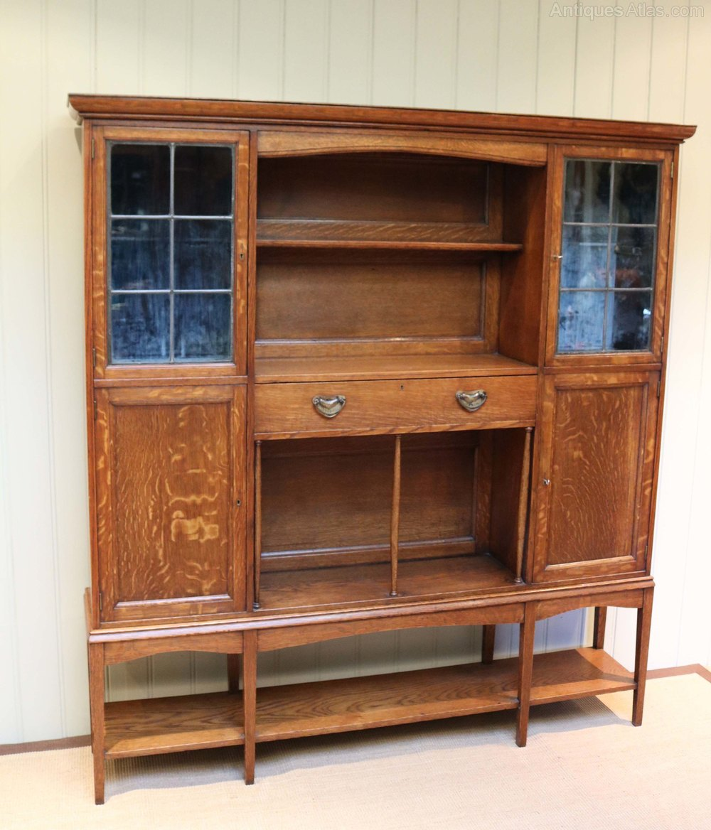 Arts and crafts oak cabinet antiques atlas for Kitchen cabinets 50cm wide
