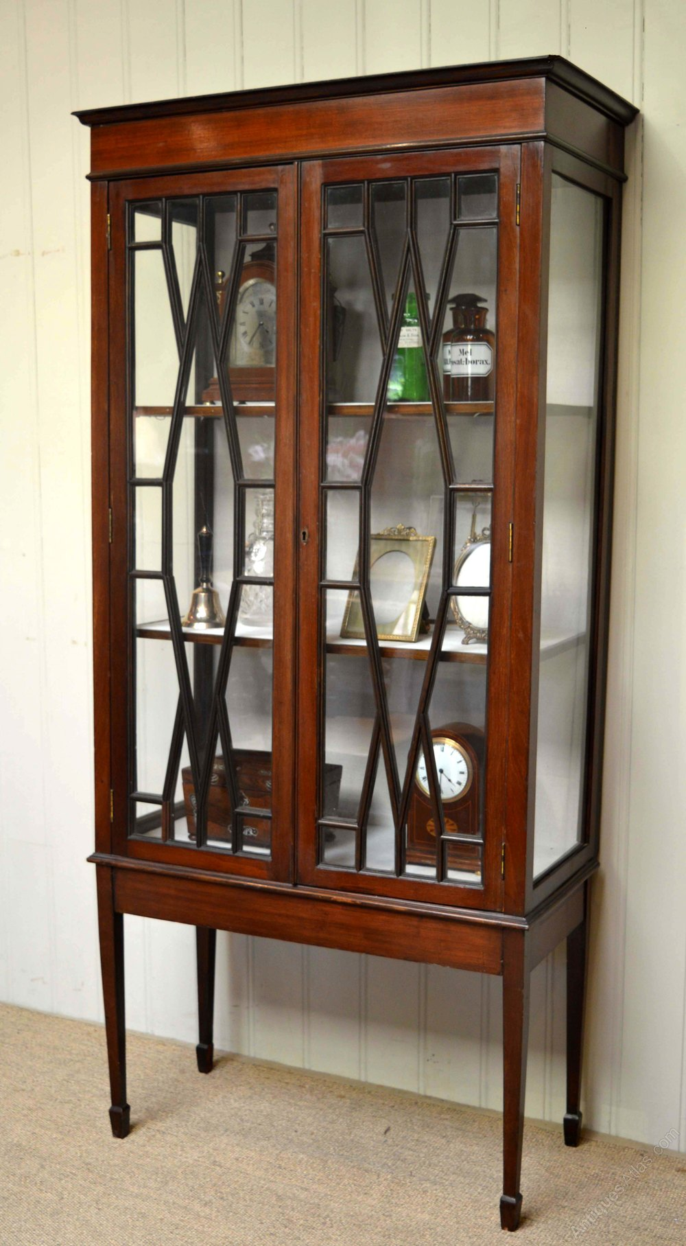 Edwardian mahogany display cabinet antiques atlas for Antique display cabinet