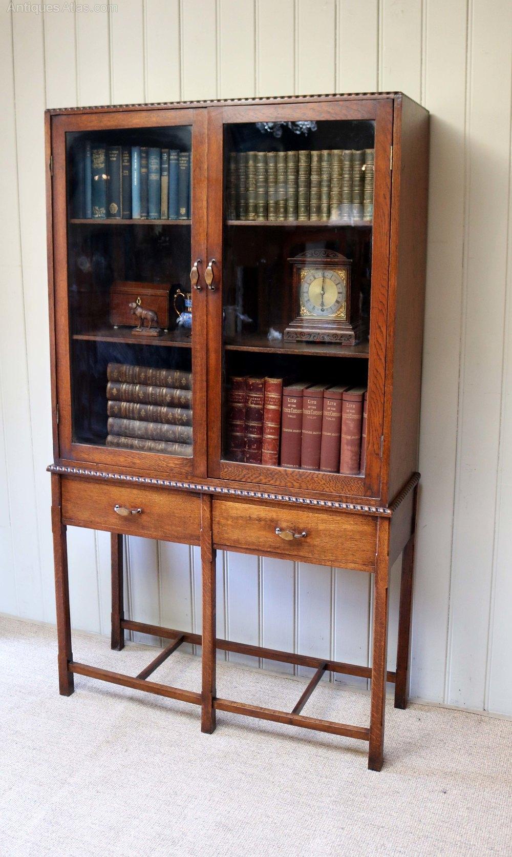 Oak cabinet bookcase antiques atlas for Kitchen cabinets 50cm wide
