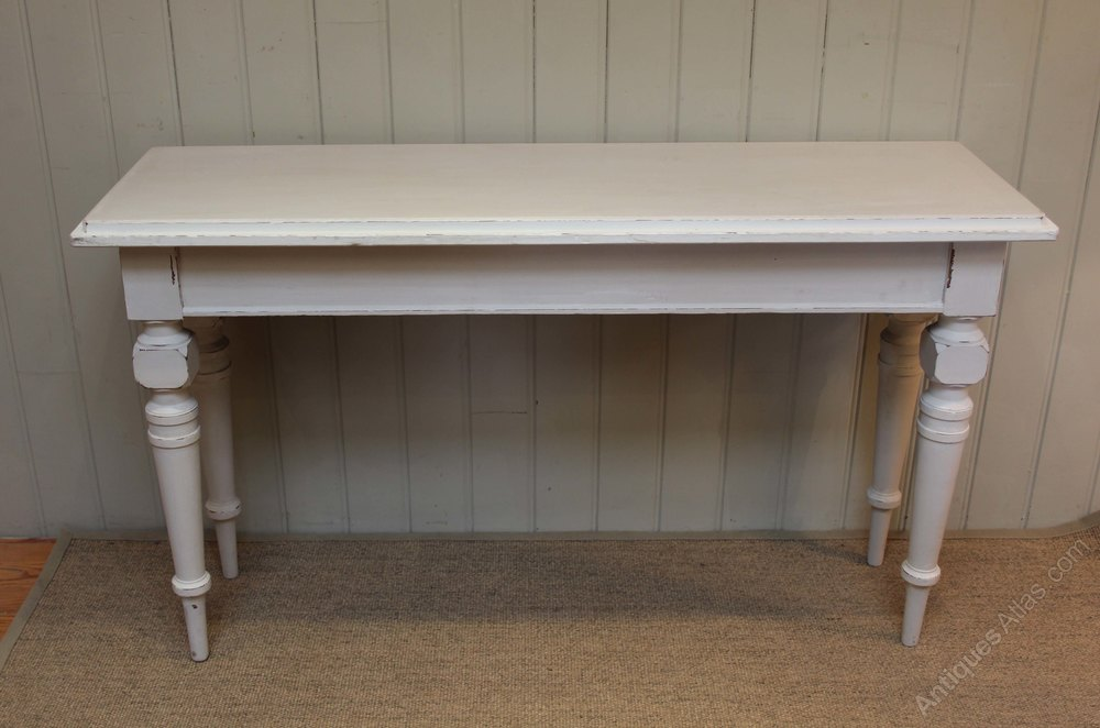 Painted console table antiques atlas for Painted foyer tables