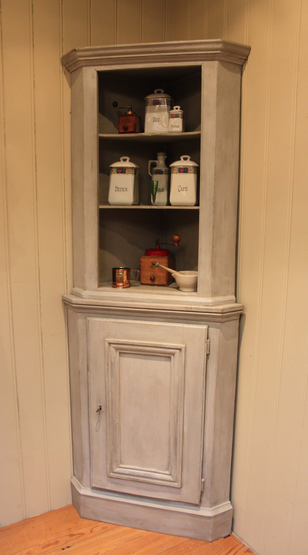 Painted Corner Cupboard Antiques Atlas