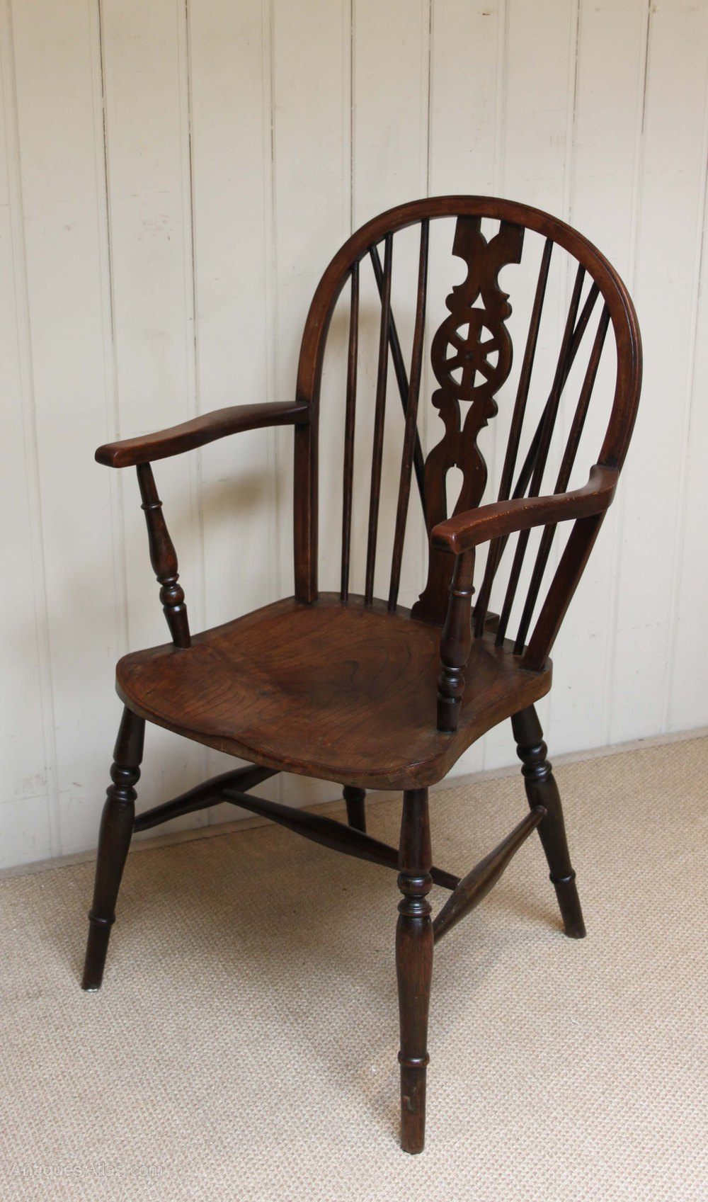 Set Of Four Wheelback Windsor Chairs Antiques Atlas