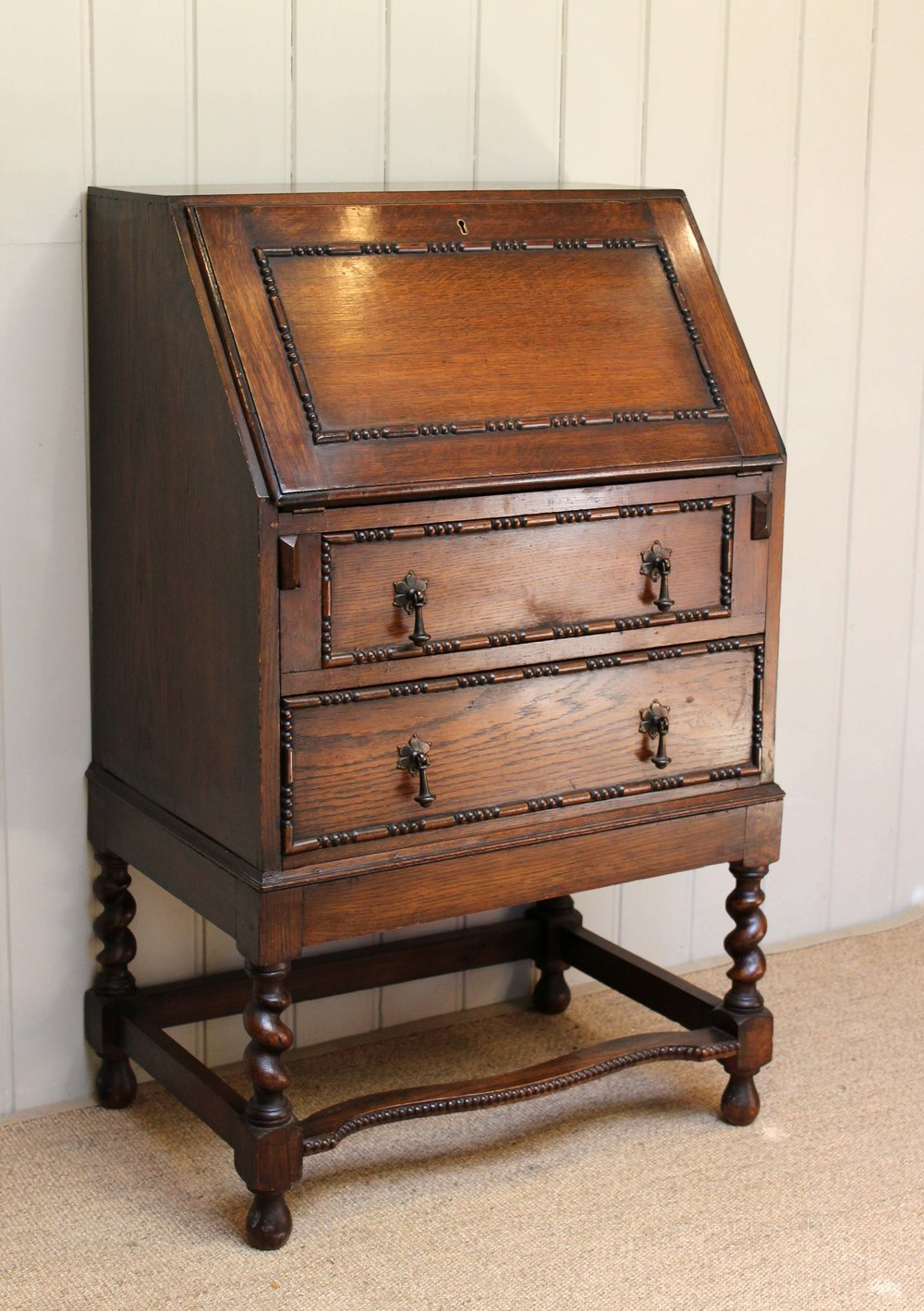 Small proportioned oak bureau antiques atlas for Bureau antique