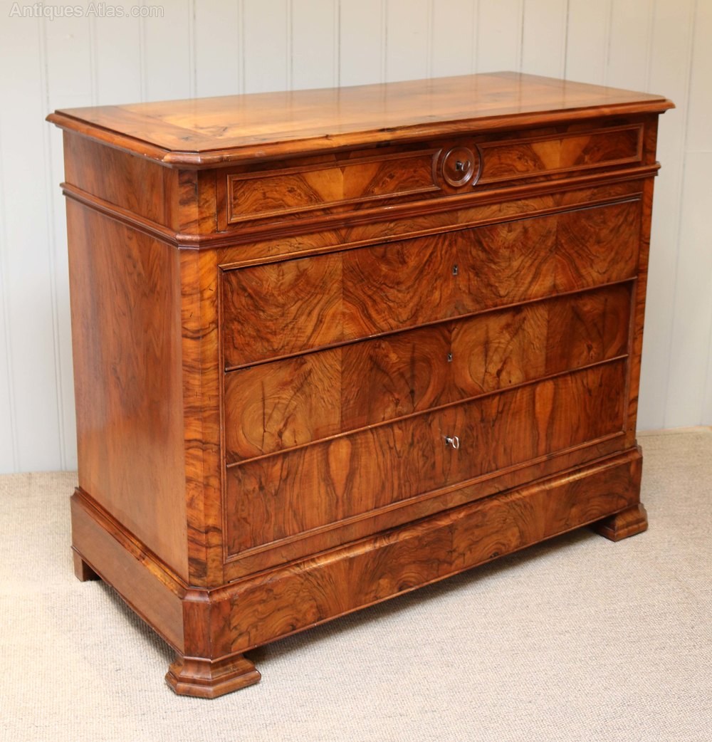 walnut chest of drawers commode antiques atlas. Black Bedroom Furniture Sets. Home Design Ideas