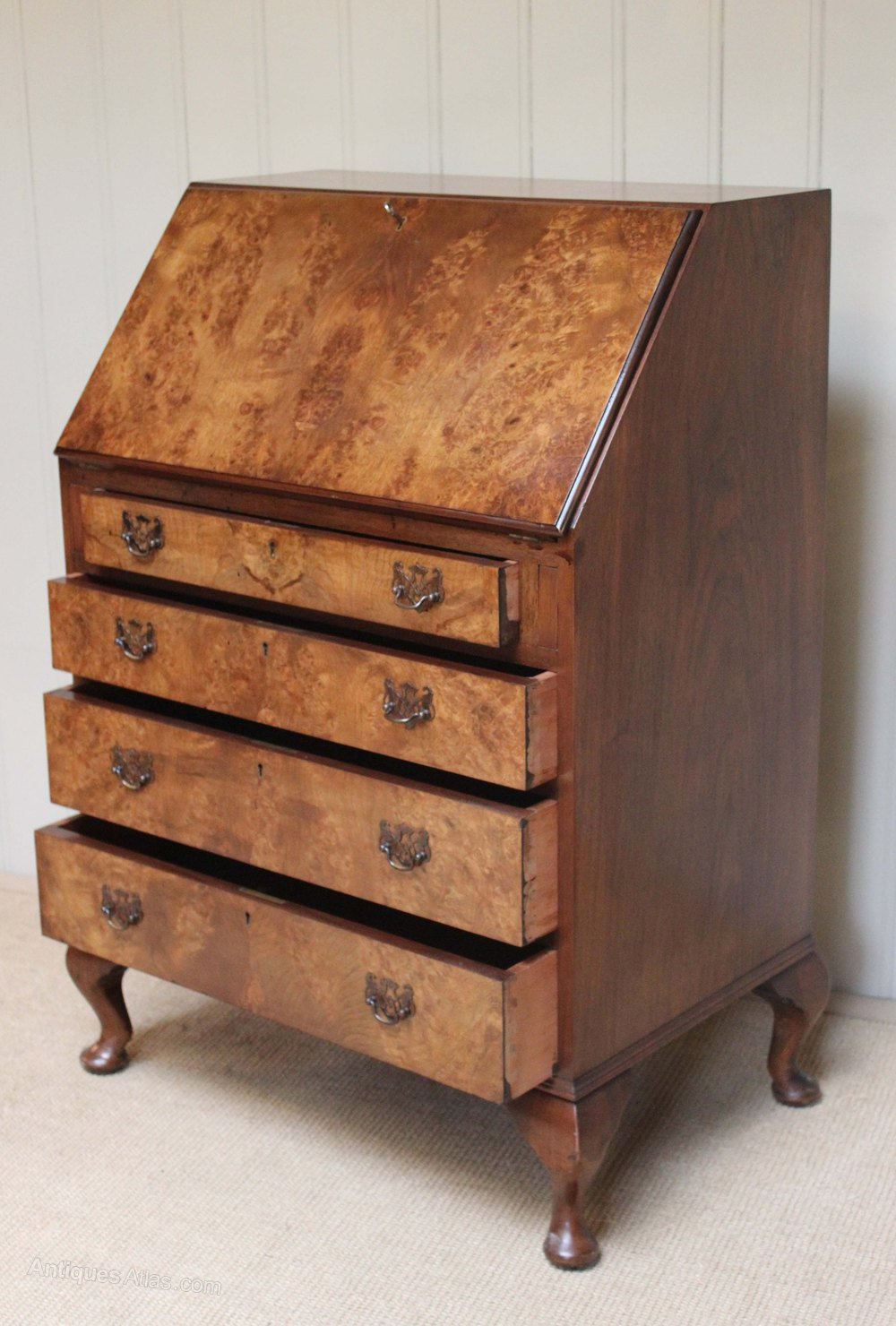 Walnut queen anne style bureau antiques atlas for Queen anne style