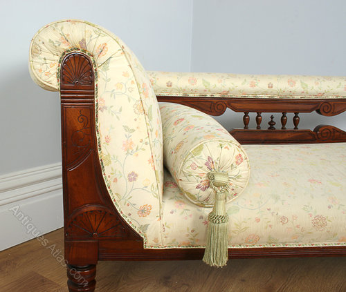 Edwardian mahogany rail back chaise longue antiques atlas for Antique edwardian chaise longue
