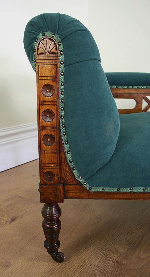 Edwardian walnut rail back chaise longue for Antique edwardian chaise longue