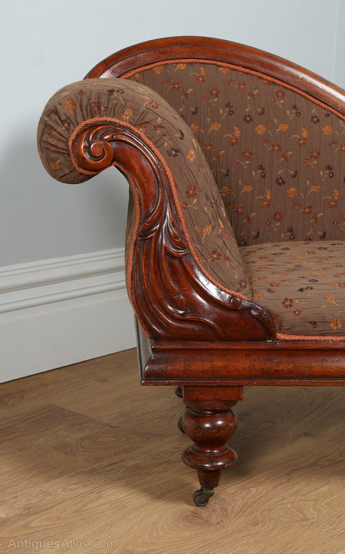 Victorian mahogany brown upholstered chaise longue for Antique victorian chaise longue