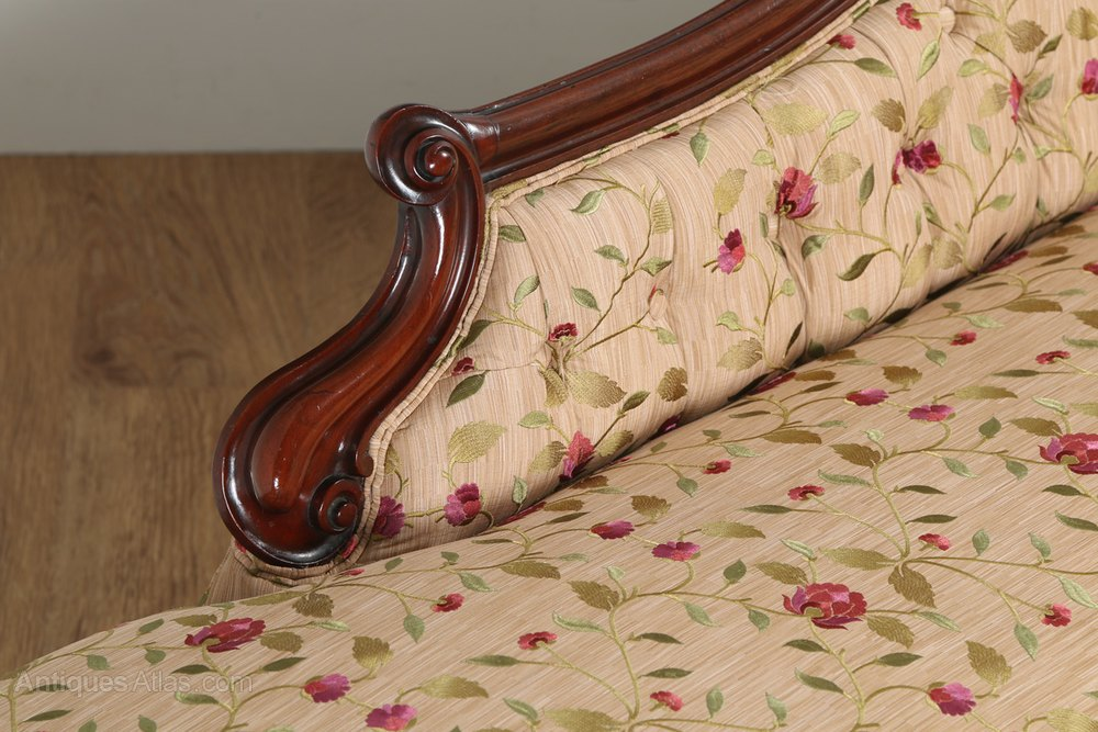 Victorian mahogany upholstered chaise longue antiques atlas for Antique chaise longue