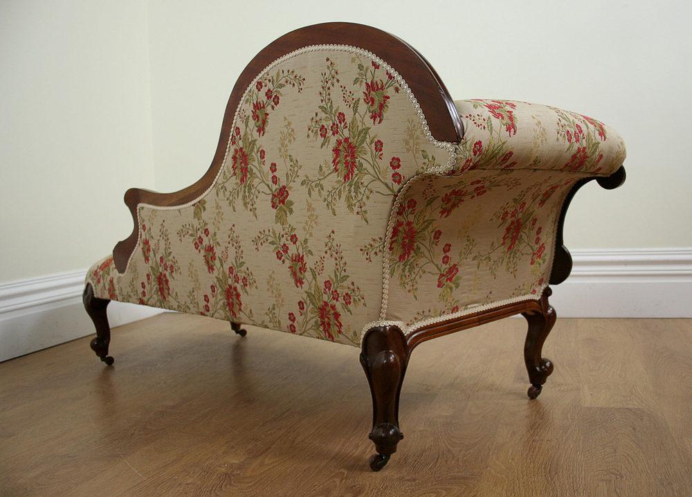 Victorian walnut floral silk chaise longue c1850 for Antique edwardian chaise longue