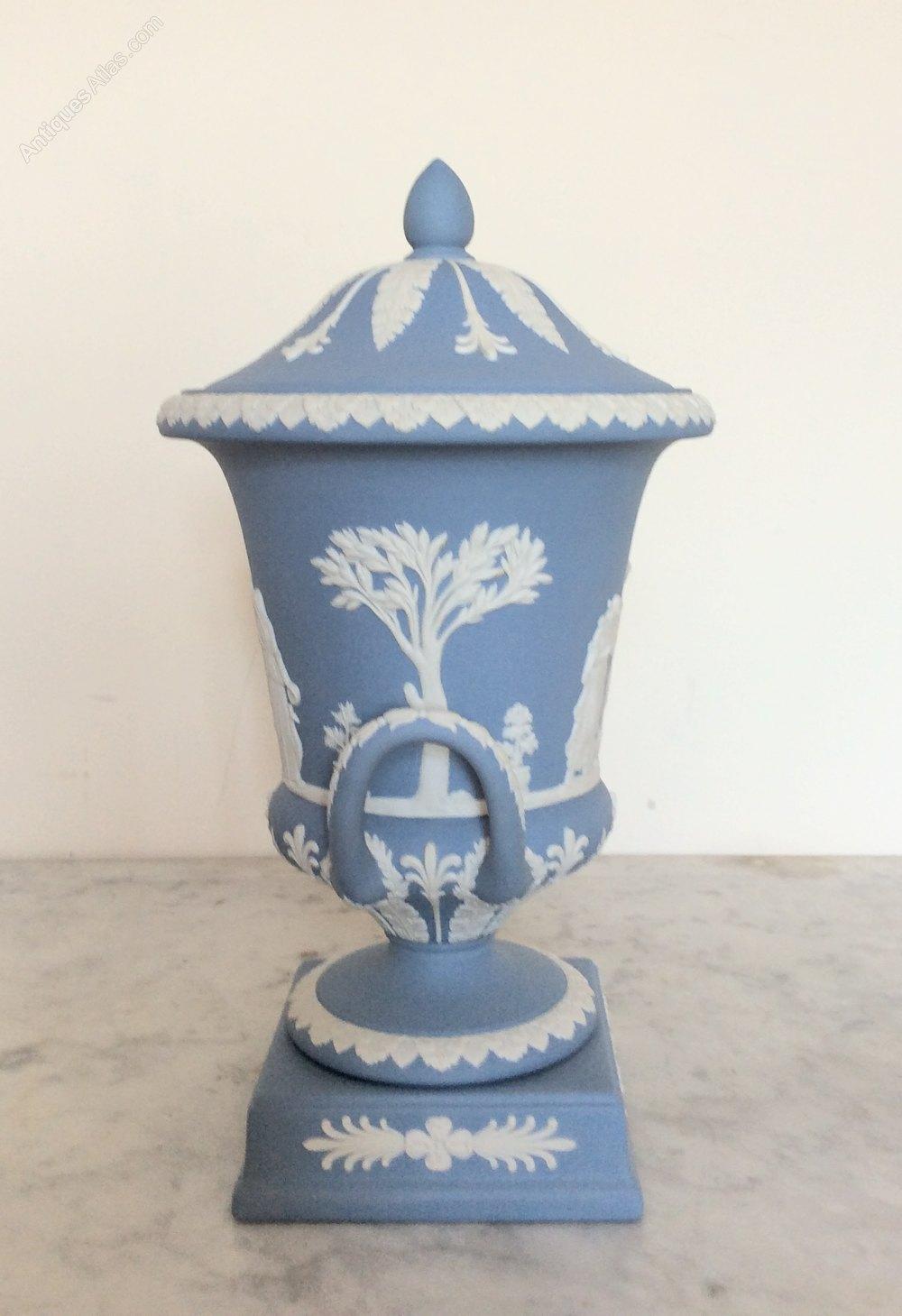 Antiques Atlas Large Wedgwood Jasperware Urn Vase