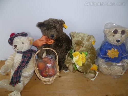 Steiff limited edition 'Four Seasons' Bears