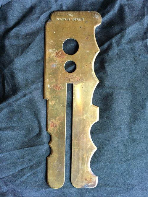 WW1 Officers Brass Button Stick