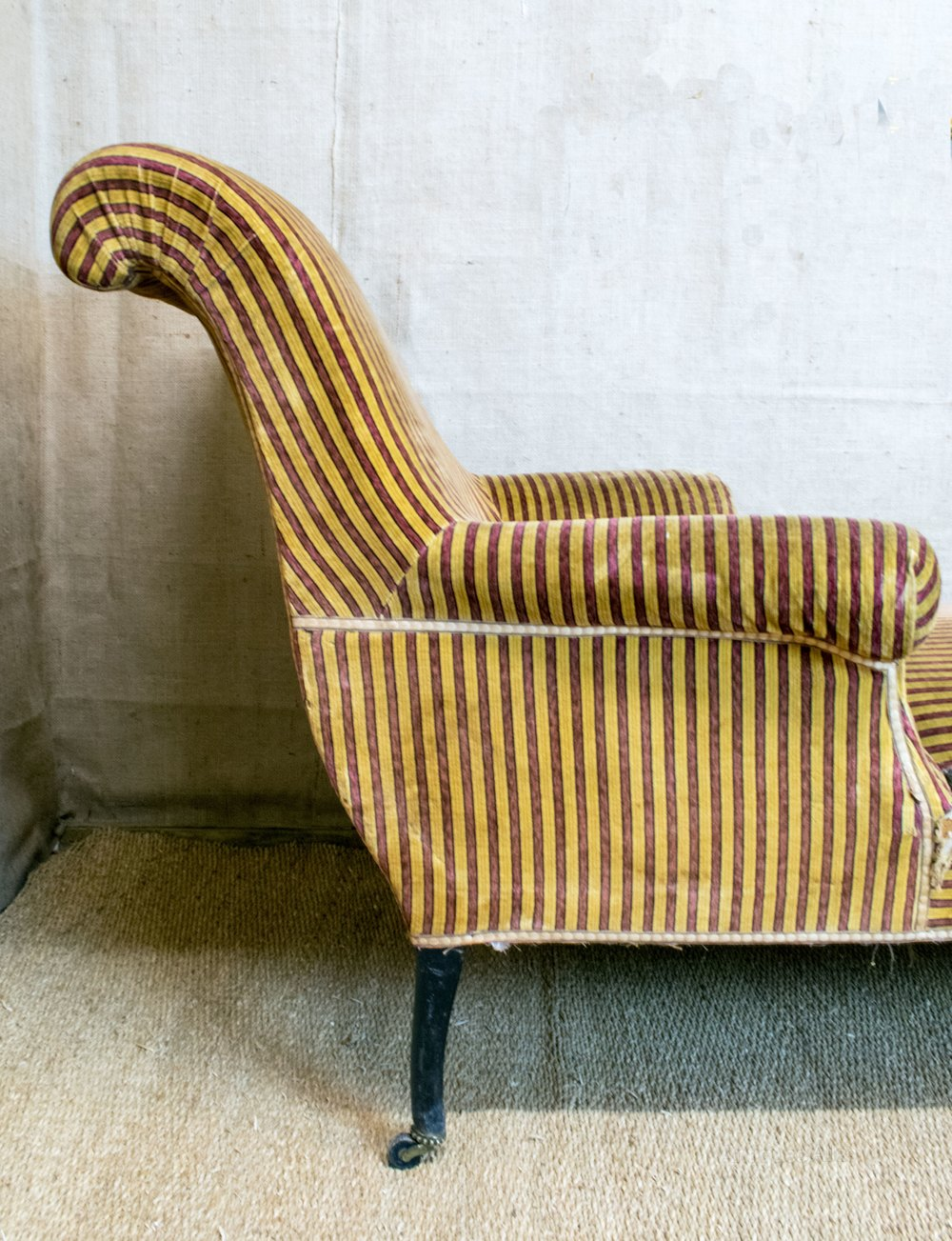 French chaise longue armchair style scroll arms for Antique chaise longue
