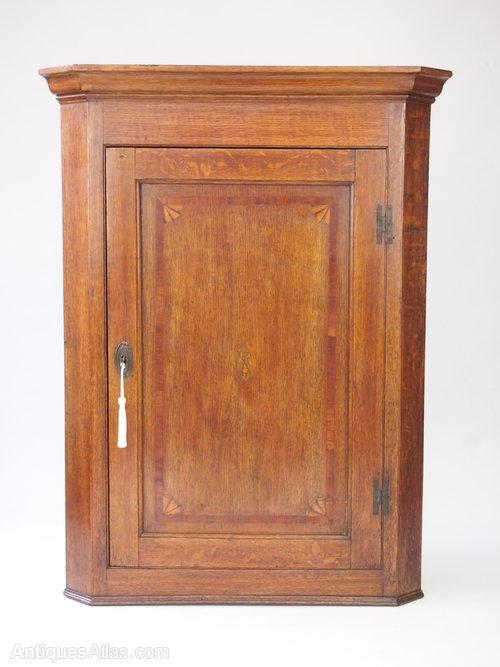 Charmant Georgian Oak Corner Cupboard /Hanging Wall Cabinet ...
