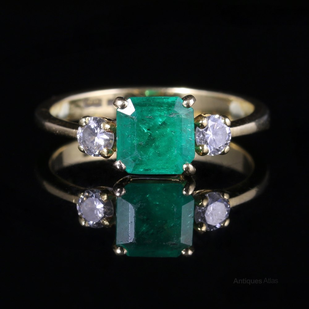 Antique Emerald Diamond Ring 18ct Gold