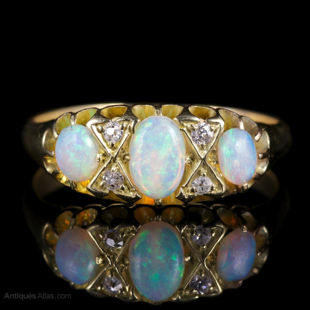 London Victorian Ring