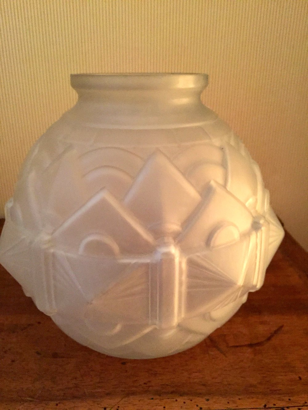Antiques atlas stylish art deco vase pate de verre french for Deco vase en verre