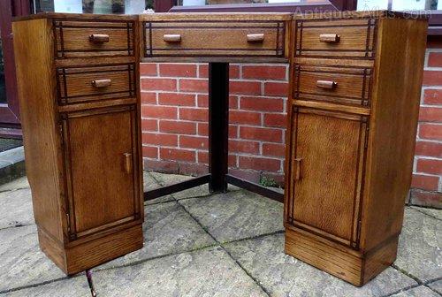 Heals Oak Corner Desk Antiques Atlas
