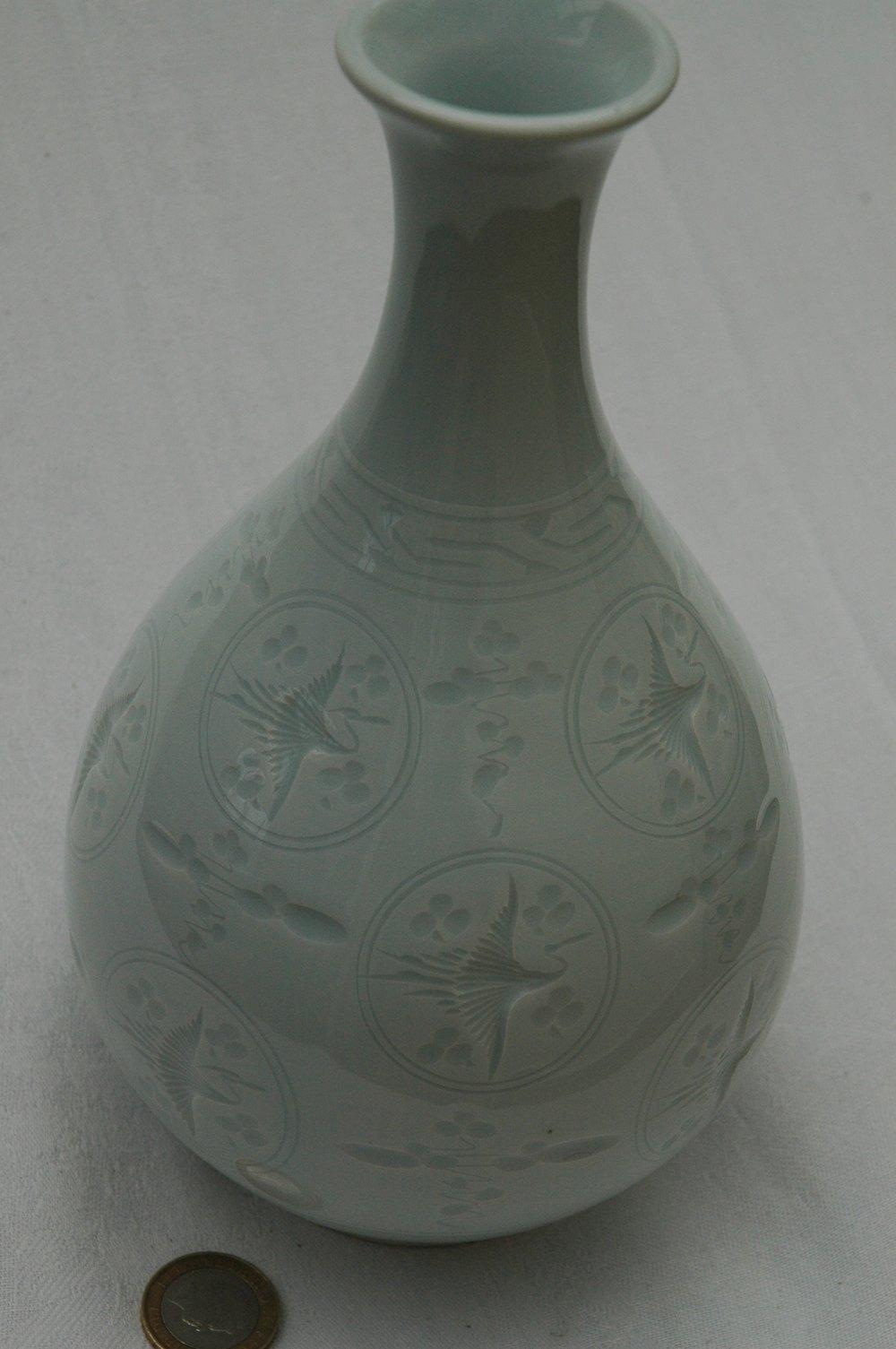 Antiques Atlas - A Very Fine Quality Japanese Celadon Vase.