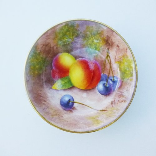 Antiques Atlas - Royal Worcester Fruit Pattern Signed Pin Tray