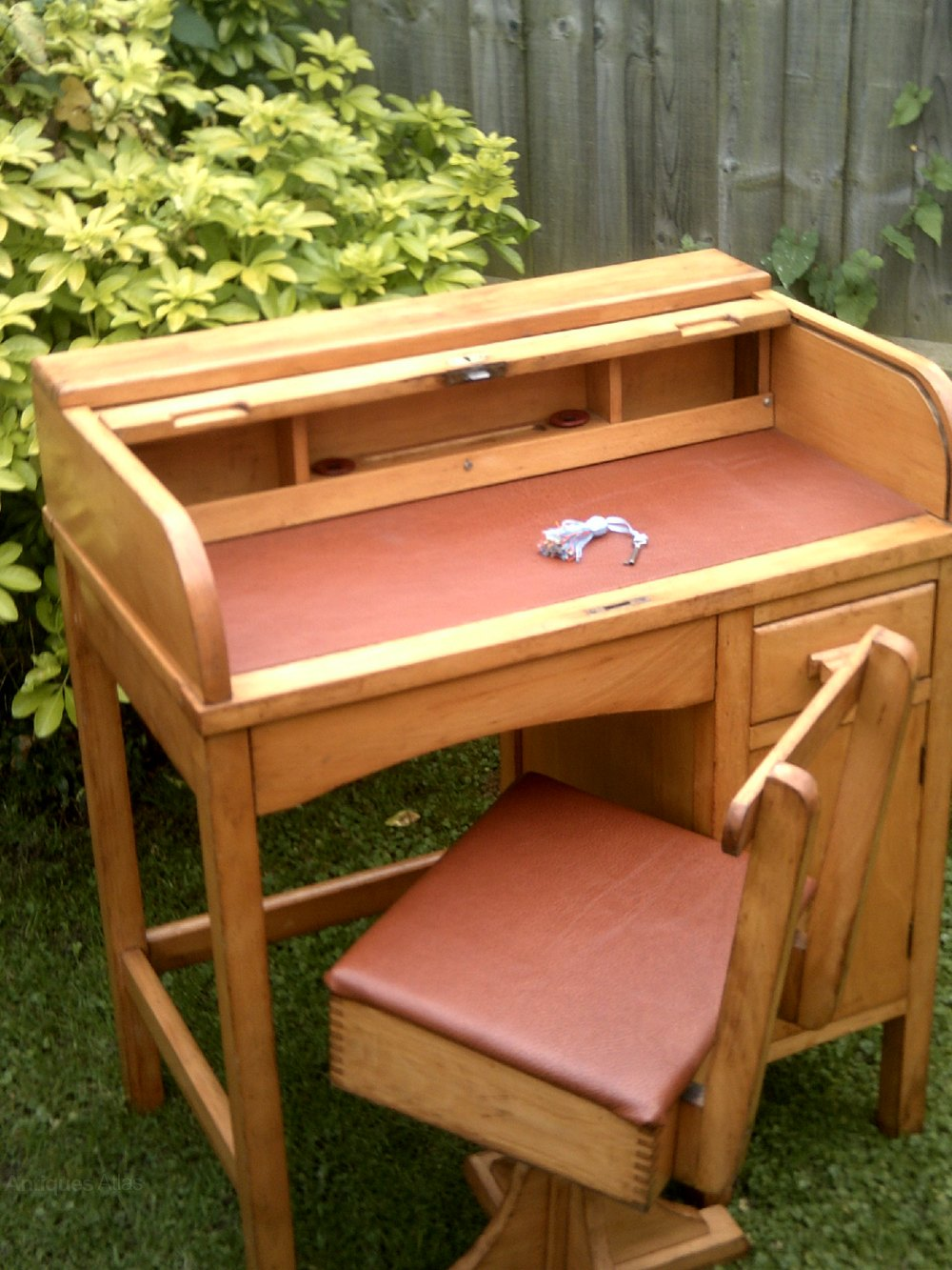 Childs Roll Top Desk With Swivel Chair Antique Desks