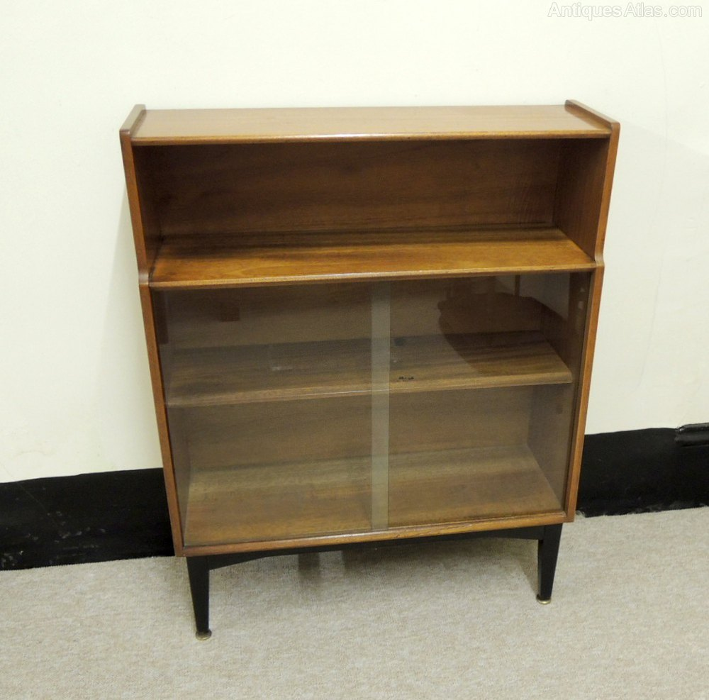 Antiques atlas retro display cabinet for Antique display cabinet