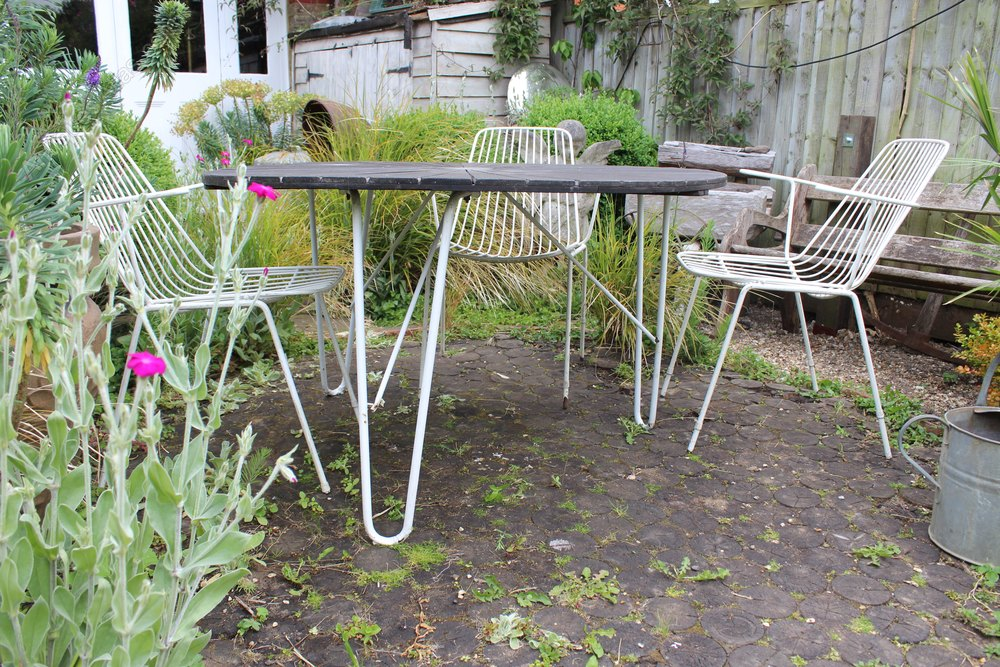 Remarkable Antiques Atlas 1950S Garden Set Of Table And Four Wire Chairs Evergreenethics Interior Chair Design Evergreenethicsorg