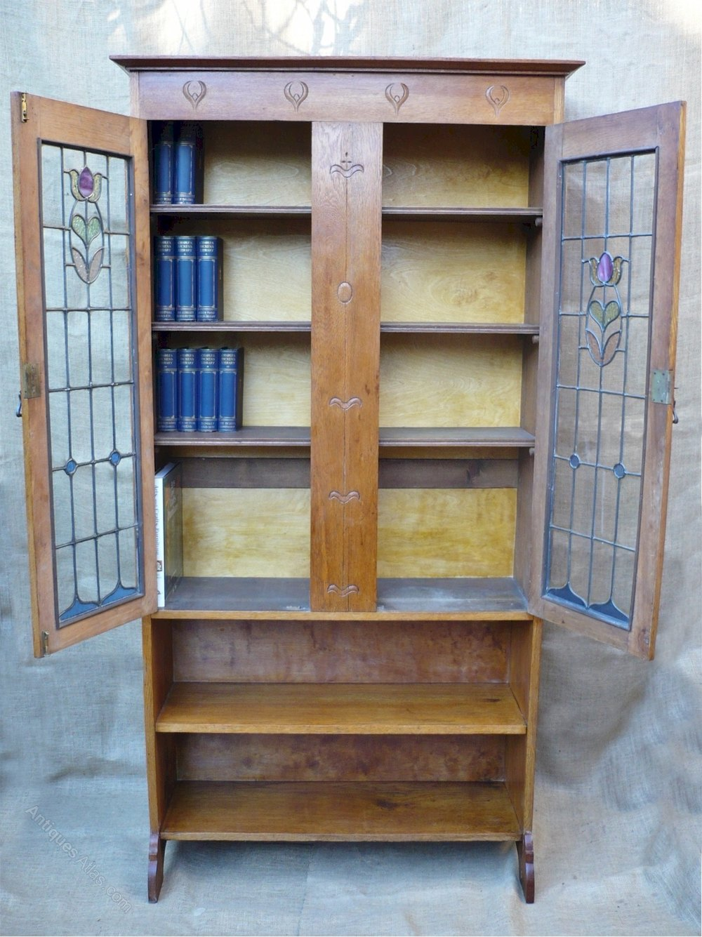 Arts and crafts bookcase with stained glass doors for Arts and crafts bookshelf