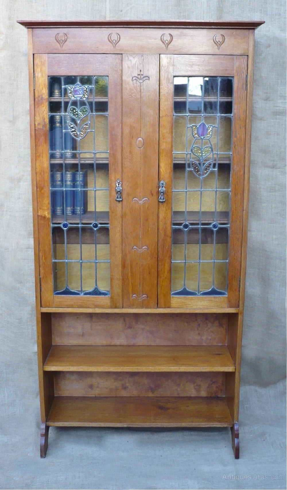 arts and crafts bookcase with stained glass doors. Black Bedroom Furniture Sets. Home Design Ideas