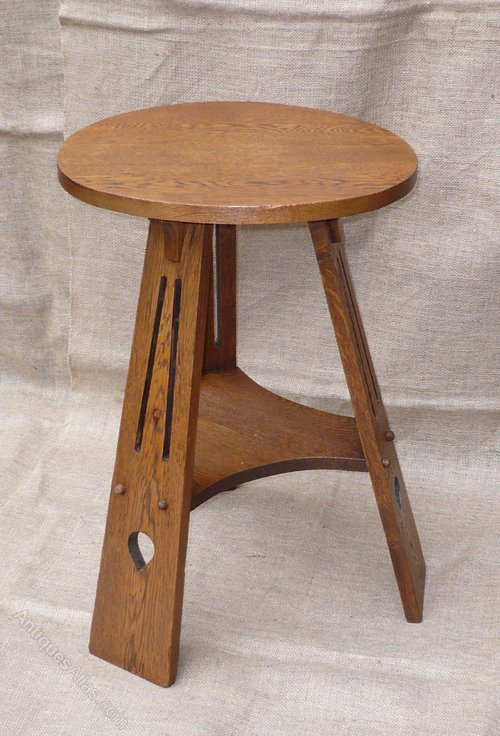 Delicieux Arts And Crafts Side Table In Golden Oak Antique Occasional Tables ...