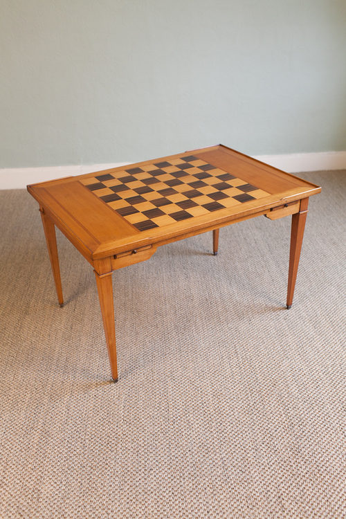 Coffee Table With Inlaid Chessboard Top