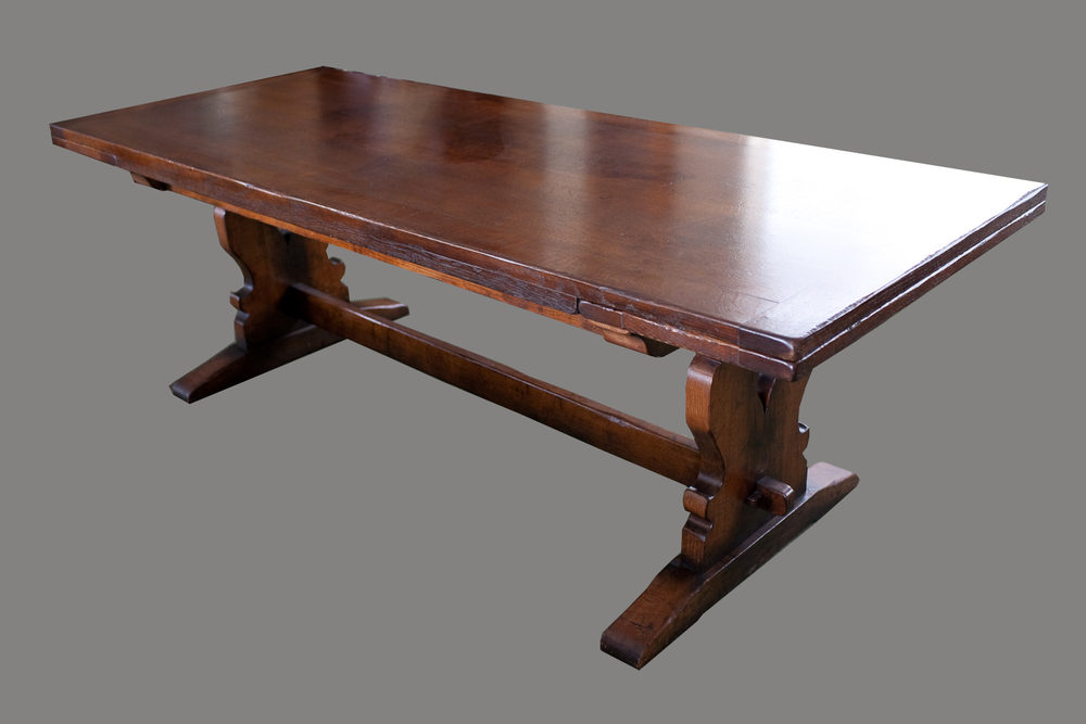 Period Style Oak Draw Leaf Dining Table