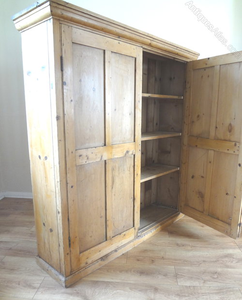 - Antique Housekeepers Cupboard - Antiques Atlas