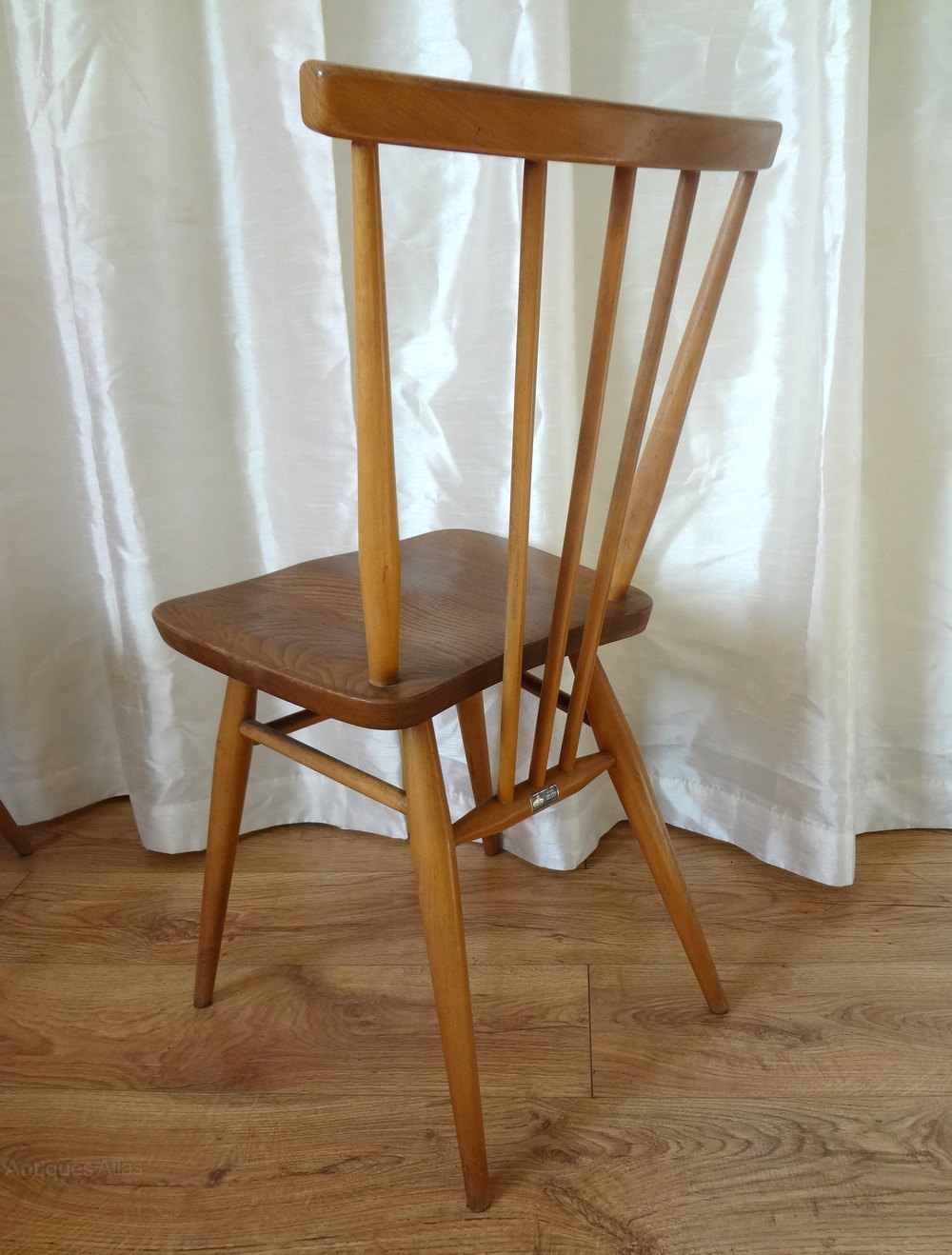 dating ercol furniture Ercol is a british furniture manufacturer which was established in the 1920s by italian furniture maker lucian ercolani during the second world war, the company worked for the government largely making tent pegs.